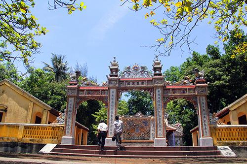 Đình làng Mỹ Lợi được công nhận là Di tích Lịch sử văn hóa cấp quốc gia năm 1996. Ảnh: Lăng A Cúi