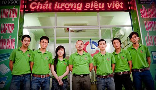 Đội ngũ chuyên nghiệp của Laptop Center.