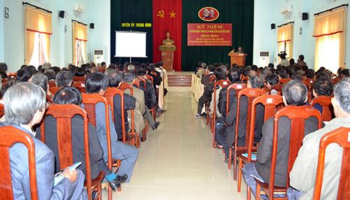 Ban Thường vụ Huyện ủy Thăng Bình gặp mặt Bí thư Chi bộ thôn, tổ dân phố.Ảnh: Q.VIỆT