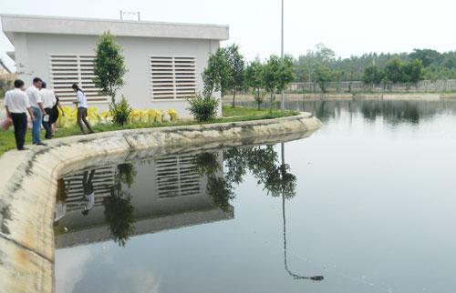 Nhà máy xử lý nước thải tại KCN Bắc Chu Lai.          Ảnh: TR.HỮU