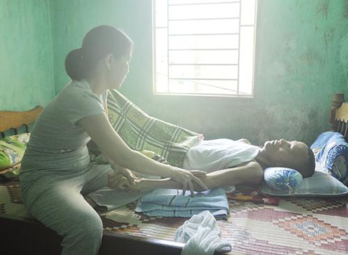 """Cơn tai biến khiến anh Phan Thanh Trí sống dưới dạng """"thực vật"""". Ảnh: H.G"""