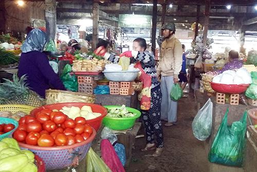 Nhiều tiểu thương ở chợ Cầu Đất là người Quảng.