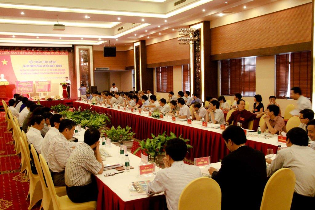 Đại diện 24 báo Đảng khu vực phía Bắc và các đoàn báo Đảng khách mời đã đến dự hội thảo