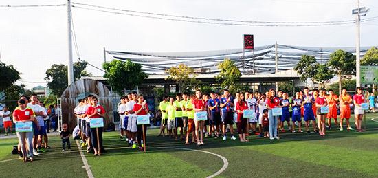 Gần 200 cầu thủ đến từ 8 đội bóng sẽ tranh tài trong 3 tuần của tháng 9.2015