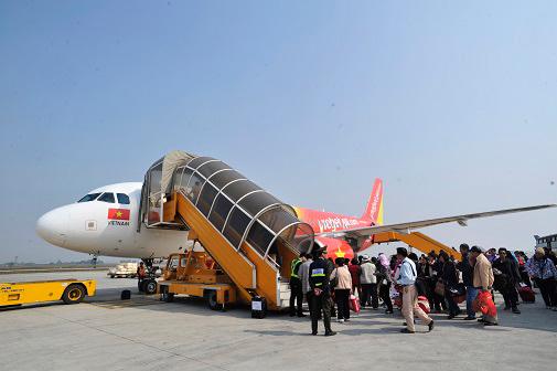 Hành khách đi từ sân bay Chu Lai được đưa đón miễn phí.
