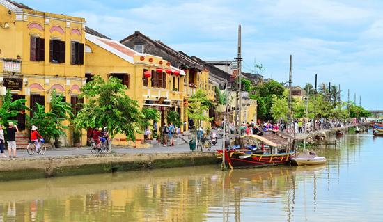 Năm 2015, chỉ có khoảng 30% số du khách đăng ký lưu trú khi du lịch Quảng Nam. Trong ảnh: Phố cổ Hội An - điểm đến thu hút du khách.  Ảnh: D.L.T.N