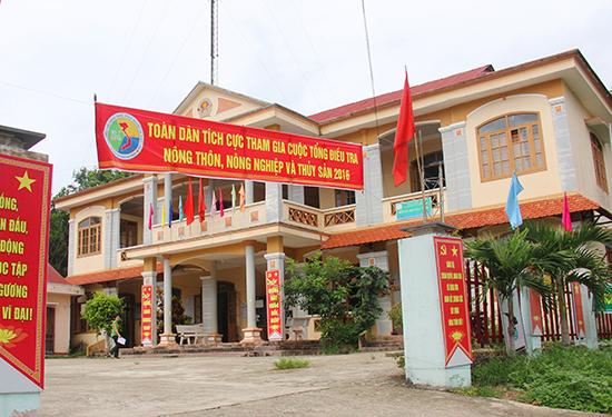 """Trụ sở UBND xã Sông Kôn, một trong những điểm bị trộm """"ghé thăm"""". Ảnh: ALĂNG NGƯỚC"""