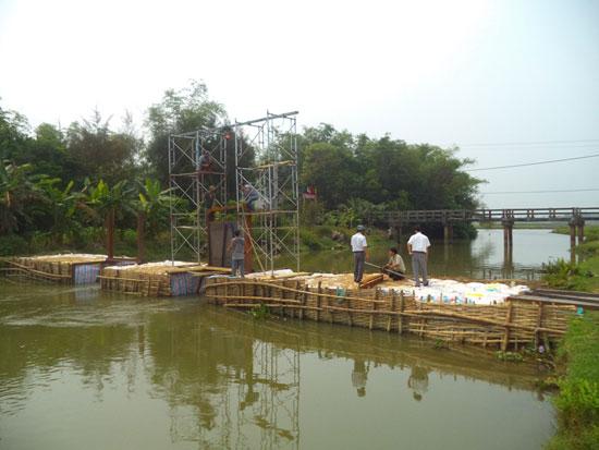 Đê kè ngăn mặn tại thôn Vĩnh Bình (xã Tam Thăng) phát huy tác dụng giúp nông dân yên tâm sản xuất vụ hè thu.