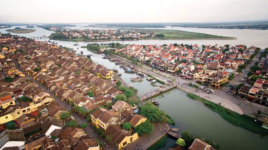 Phát triển chuỗi đô thị của Quảng Nam cần hài hòa với không gian xanh. Ảnh: LÊ MINH TRÍ