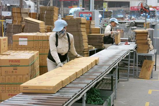 Tập trung tháo gỡ khó khăn cho doanh nghiệp sản xuất là một trong những nhiệm vụ của hệ thống chính quyền nhằm tạo lập tăng trưởng. Ảnh: T.D