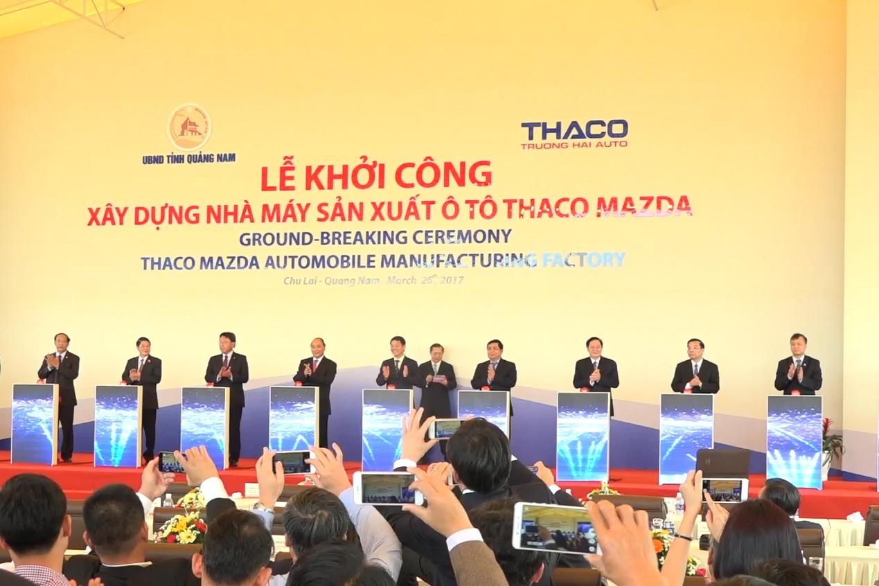 Nghi lễ nhấn nút khởi công Nhà máy Thaco Mazda. Ảnh: Đ. ĐẠO