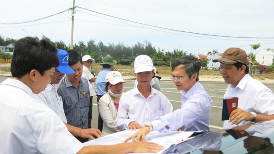 HĐND tỉnh giám sát việc đầu tư xây dựng các khu tái định cư và công tác bồi thường, giải phóng mặt bằng tại Hội An.Ảnh: T.D