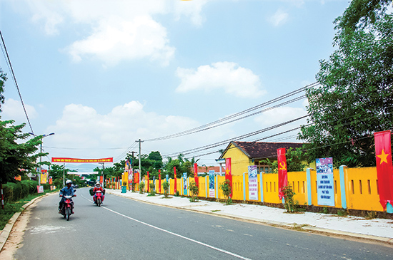 Nguồn vốn xây dựng nông thôn mới huy động được vẫn còn hạn chế so với nhu cầu của địa phương.  TRONG ẢNH: Xã nông thôn mới Tam Phước, huyện Phú Ninh.Ảnh: PHƯƠNG THẢO