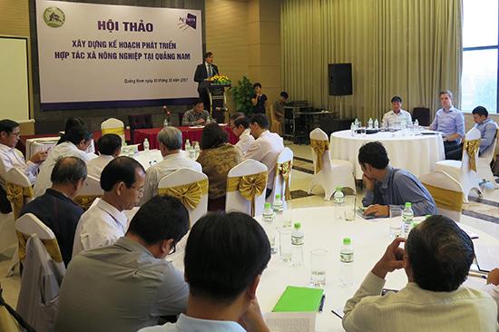 Quang cảnh cuộc hội thảo diễn ra tại TP. Tam Kỳ hôm qua 31.10.Ảnh: VĂN SỰ