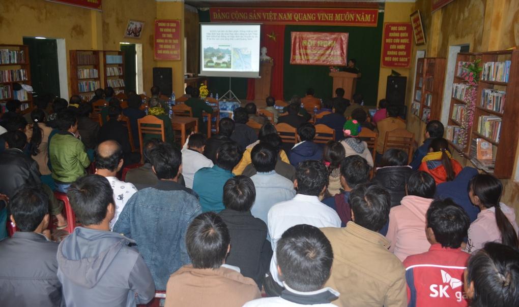 Đông đảo cán bộ, nhân dân các xã biên giới tham gia Hội nghị