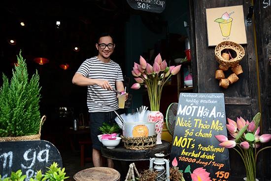 Nguyen Phu Xuan and his Mot tea house
