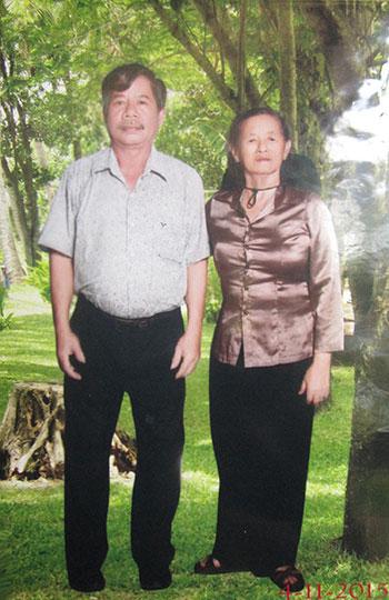 Nguyễn Văn Binh, người từng bị mìn cắt đứt hai chân được đồng đội cõng lên trạm xá tận tình cứu chữa.  (Ảnh tư liệu chụp tháng 11.2015)