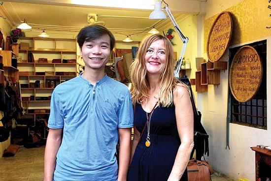 Tran Huu Tiep and a designer from Kerber
