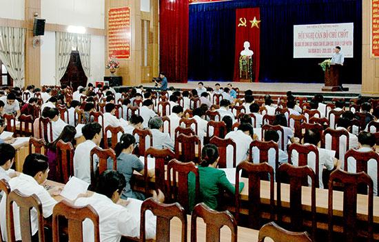Bám sát Nghị quyết 18-NQ/TW của Hội nghị Trung ương 6 (khóa XII), Huyện ủy Nông Sơn tổ chức Hội nghị cán bộ chủ chốt rà soát, bổ sung quy hoạch cán bộ lãnh đạo, quản lý cấp huyện giai đoạn 2015-2020 và 2020-2025. Ảnh: PHAN VINH