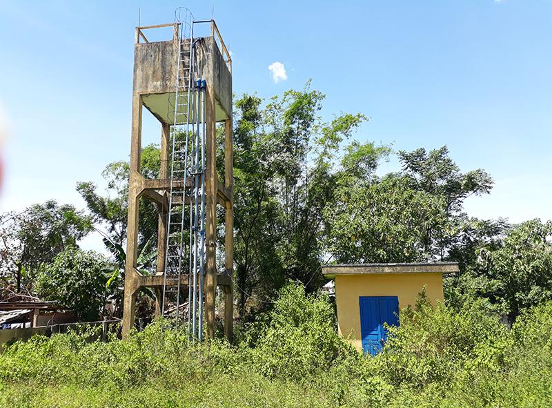 Công trình nước sạch xã Đại Minh (huyện Đại lộc) được đầu tư xây dựng vào năm 2013, nhưng xây xong  không hoạt động được. Ảnh: THANH THẮNG