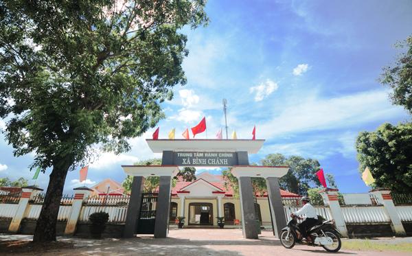 Trung tâm hành chính xã Bình Chánh được đầu tư đầy đủ về cơ sở hạ tầng.