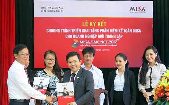 Ký kết chương trình tặng phần mềm kế toán miễn phí cho doanh nghiệp vừa và nhỏ Quảng Nam.