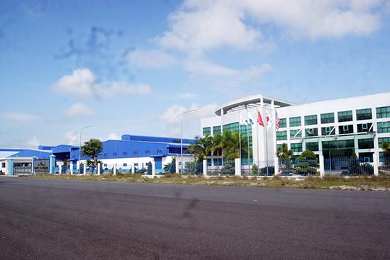 Nhà máy dệt may Panko Tam Thăng được xem dự án động lực phát triển nhóm công nghiệp dệt may ở vùng đông nam của tỉnh. Ảnh: Đ.H