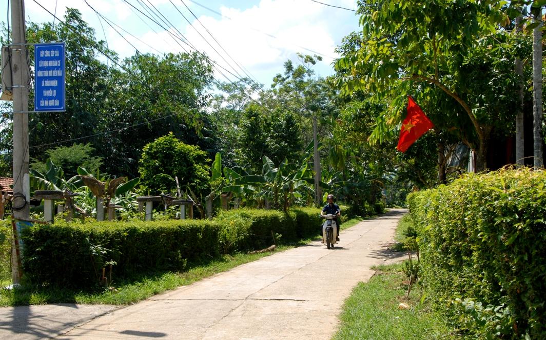 Một góc bình yên ở thôn kiểu mẫu Thuận Sơn. ảnh: H.Q