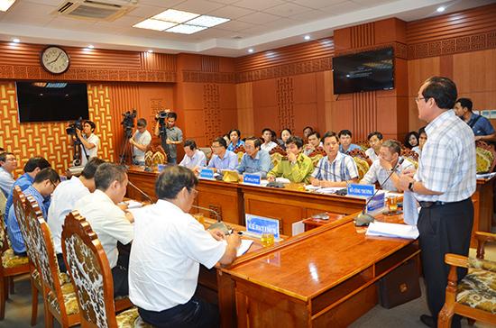 Phó Chủ tịch Thường trực UBND tỉnh Huỳnh Khánh Toàn phát biểu tại cuộc họp.Ảnh: H.P