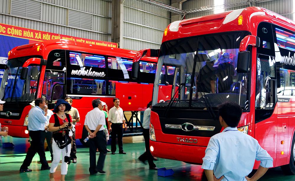 Phân xưởng sản xuất xe bus của Công ty CP Ô tô Trường Hải. Ảnh: PHƯƠNG THẢO