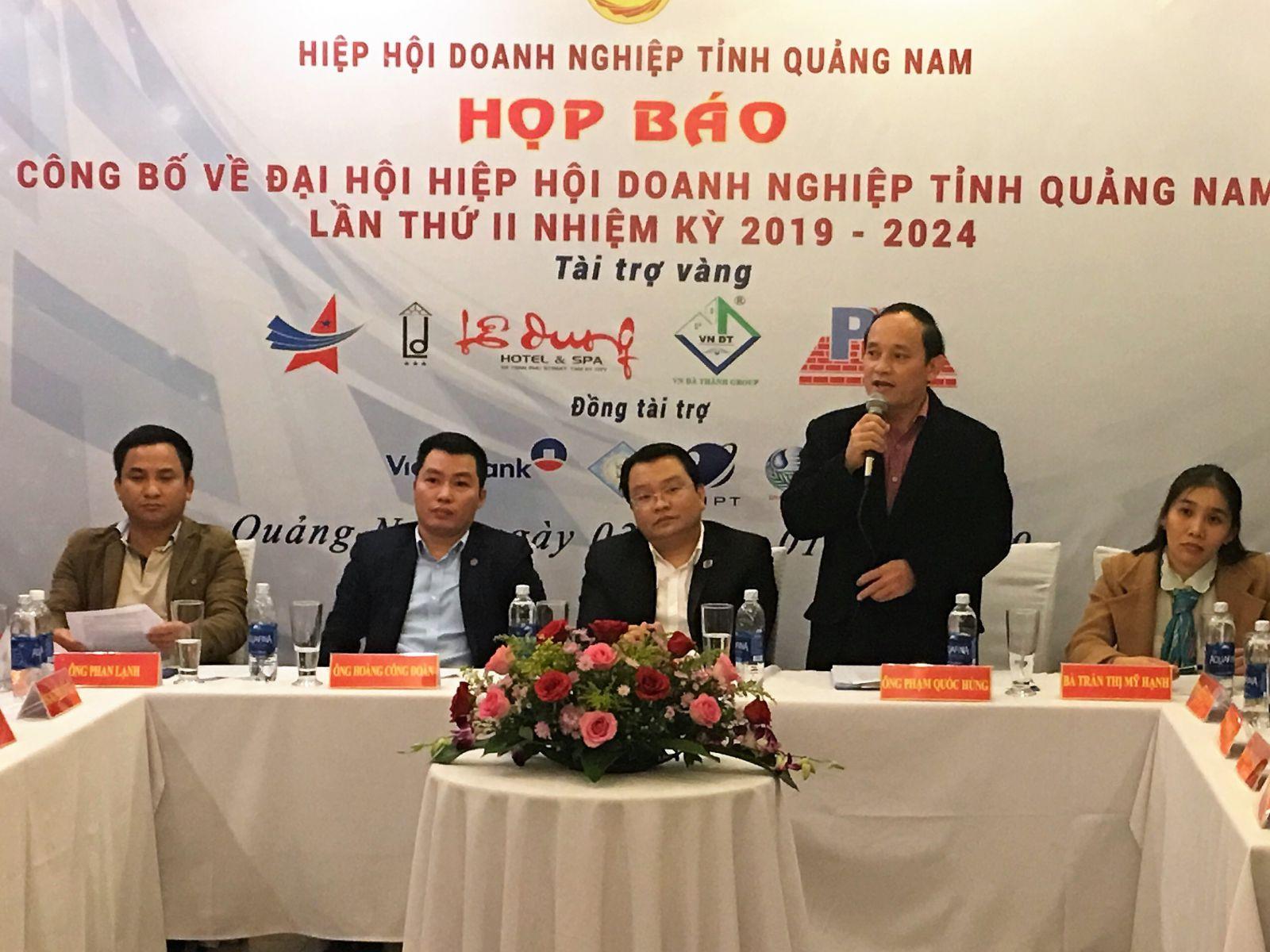 Quang cảnh buổi họp báo