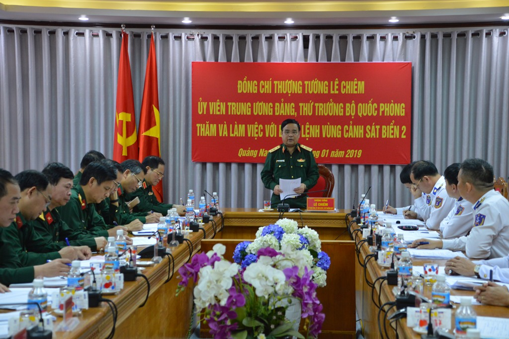Thượng tướng Lê Chiêm phát biểu tại buổi làm việc. Ảnh: V.T