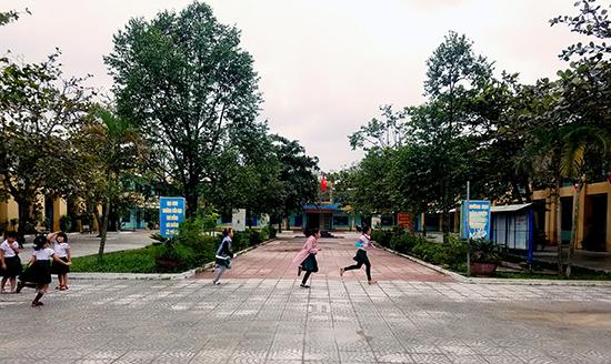 Văn thánh Thăng Bình do nghĩa sĩ Nguyễn Đạo góp phần đặt nền móng xây dựng ngày trước hiện nằm trong khuôn viên Trường Tiểu học Kim Đồng (thị trấn Hà Lam). Ảnh: Q.T