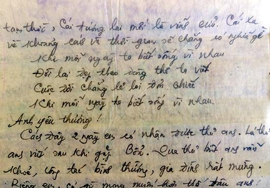 Bức thư cô giáo Nguyễn Thị Hoa gửi qua chiến trường K cho chồng hơn 40 năm trước. Ảnh: H.V
