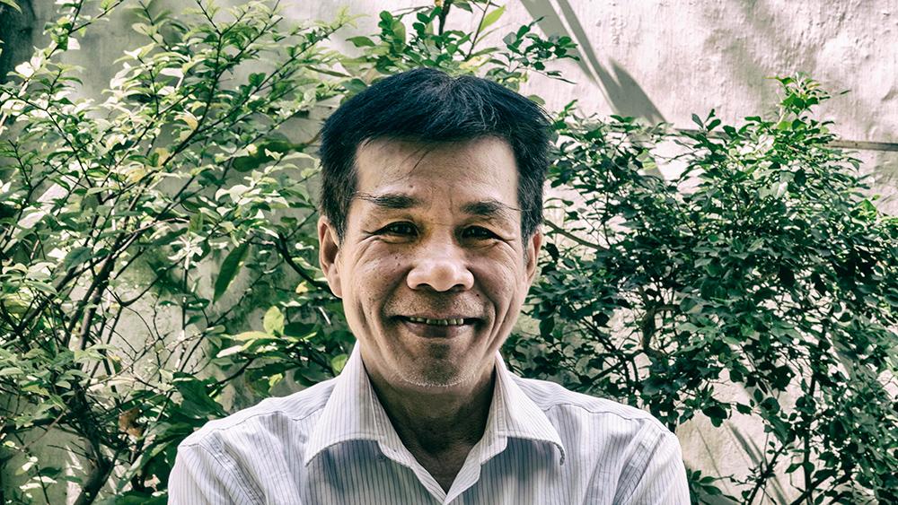 Chân dung nhà thơ Lê Minh Quốc.