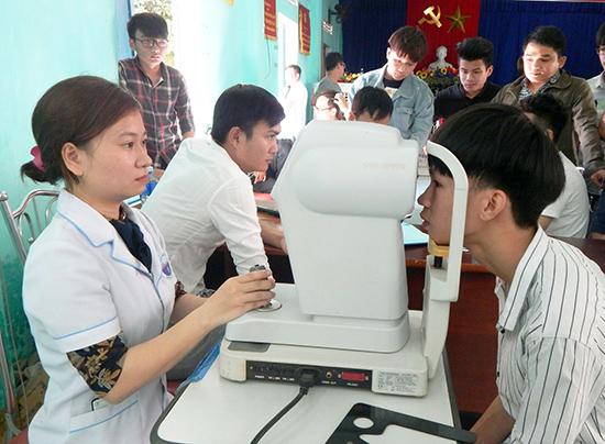 Nhờ làm tốt công tác khám tuyển nên chất lượng thanh niên nhập ngũ của Quảng Nam năm 2019 được nâng lên. Ảnh: VÕ LÊ