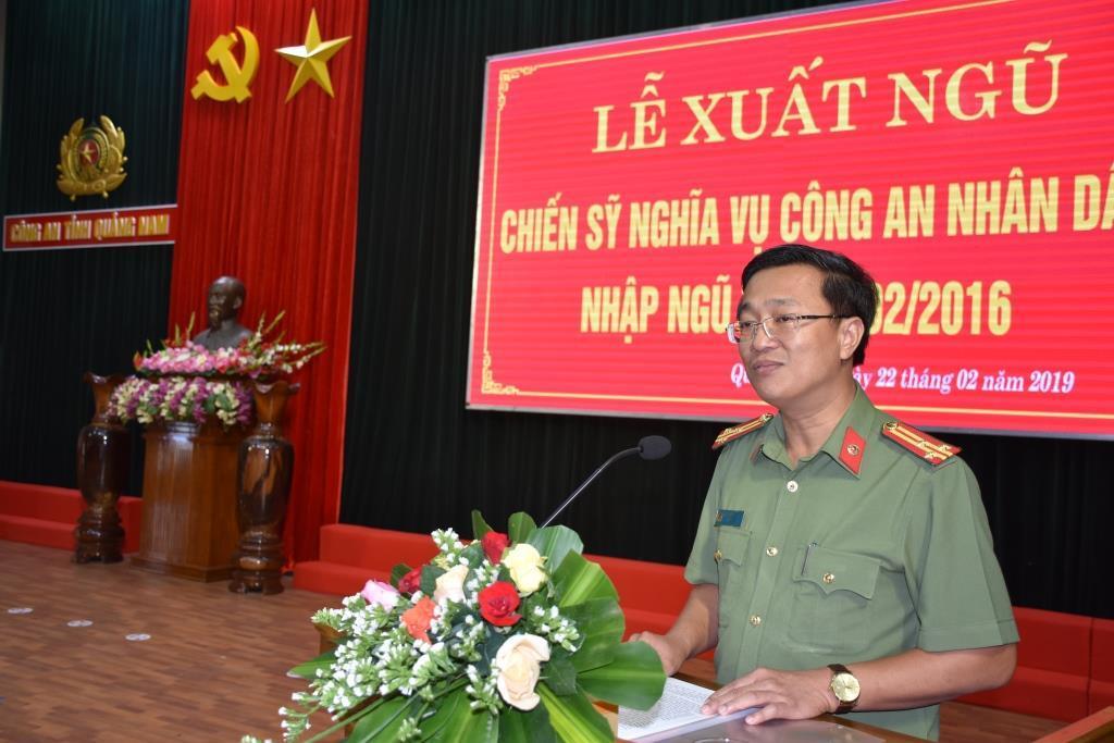 Thượng tá Nguyễn Thành Long phát biểu tại lễ xuất ngũ. Ảnh: H.V