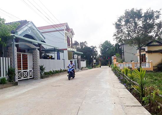 Diện mạo nông thôn xã Quế Châu đang thay đổi từng ngày. Ảnh: T.S