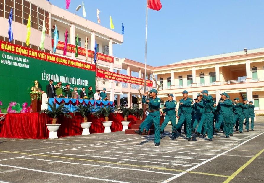 Nghi thức duyệt đội ngũ tại Lễ ra quân huấn luyện.