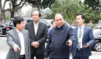 Thủ tướng thị sát công tác chuẩn bị tại khu vực hồ Hoàn Kiếm. Ảnh: chinhphu.vn