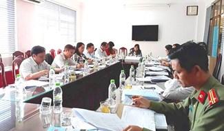 Quang cảnh một cuộc họp Hội đồng đánh giá tiếp cận pháp luật của thành phố. Ảnh: T.S