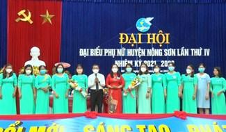 Đại hội đã bầu bà Phan Thị Ngọc Dung tái đắc cử Chủ tịch Hội LHPN huyện Nông Sơn  nhiệm kỳ 2021-2026. Ảnh: T.P